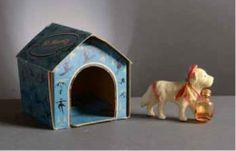 St Moritz Perfume * (années 1960) chien Saint Bernard en résine poulée portant une fiole de parfum à son cou