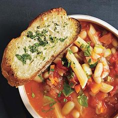 Tomato Minestrone Soup with Garlic Bread Croutons - Rachel Ray- making this Paleo by taking out the bread and beans and pasta. Crouton Recipes, Soup Recipes, Dinner Recipes, Cooking Recipes, Healthy Recipes, Fast Recipes, Cookbook Recipes, Weeknight Recipes, Cooking Tips