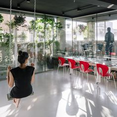 IS THIS AN OFFICE? In Madrid, architects Marta Muñoz and Josean Ruiz Esquiroz have transformed a former industrial warehouse into this flexible space that is used for work and chill. Discover the project: www.stua.com/design/flexible-office