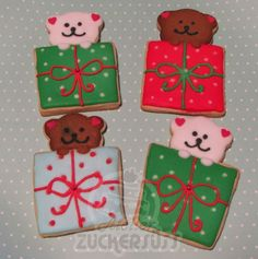 Bears in a gift box cookies