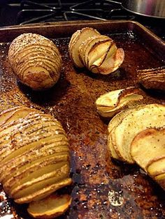 I think I will try this and give everyone their seasoning.   Bake potato slices - slice whole potatoes almost all the way through, drizzle with olive oil and favorite potato seasoning....bake for about 40 minutes.