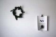 SIMPLE DIY CHRISTMAS WREATHS