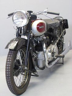 Old Motorcycle - 1936 Ariel Square four 600cc ohc