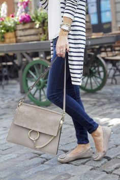 Can you imagine this pretty purse with your outfits? This light brown color can be matched with so many outfits. Faye Bag, Chloe Bag, Fall Outfits For Work, Spring Outfits, Cute Cardigans, Sweaters, Mommy Style, Purse Styles, Cute Purses