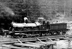 JERNBANE Norsk Hoved-Jernbanes litra A, antagelig et av lokene 1-5, bygget Robert Stephenson, Newcastle.Fotografert mellom Bøn og Eidsvoll.ca 1860