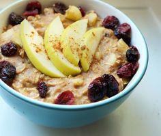 Apple Pie Oatmeal | 15 Quick Vegan Recipes For When You Have No Time