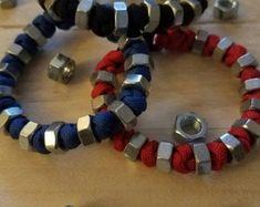 Jewelry Making Bracelets New hex nut paracord bracelets! - New hex nut paracord bracelets! Paracord Keychain, Diy Keychain, Paracord Bracelets, Bracelets For Men, Making Bracelets, Beaded Bracelets, Hex Nut Jewelry, I Love Jewelry, Jewelry Making