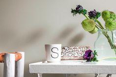 Ein Warmes Braun Beige Als Wandfarbe Bringt Gemütlichkeit In Dein Zuhause,  Egal Ob Wohnzimmer