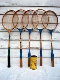 Vintage Badminton Racquets Wooden Set of Shuttlecocks in Can 3 Badminton Photos, Badminton Racket, Tennis Racket, Bridal Tips, Wedding Tips, Vintage Wood, Retro Vintage, Vintage Games, Cowboy Theme