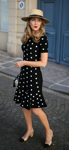 Moda vintage casual polka dots New Ideas Nyc Fashion, Retro Fashion, Trendy Fashion, Spring Fashion, Vintage Fashion, Classic Fashion, Fashion Black, Fashion Trends, Modest Fashion