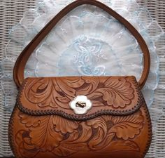 efc36c5407b VINTAGE MEXICAN 1940 s HAND TOOLED LILY FLORAL TAN LEATHER HANDBAG PURSE