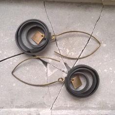 Boucle d'oreilles Loops en chambre à air : Boucles d'oreille par made-in-my