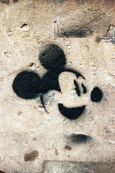 Paris 2 - rue de la recouvrance - street art - Mickey by Janny Dangerous
