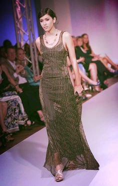 Krysthelle Barretto - Panaminian Fashion Model, Panama, PTY - Pasarela Runway Designer Lupita Barriga, American Trade Hotel.  Long dark green dress.