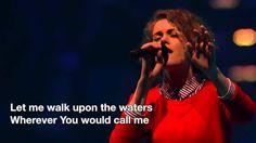 Hillsong UNITED - Oceans [Passion 2014]  Esta canción me gusta mucho en este concierto. También tiene versión acústica.