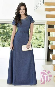 Pretty and modest jean dress. Modest Dresses, Modest Outfits, Modest Fashion, Cute Dresses, Fashion Dresses, Denim Fashion, Hijab Fashion, Jeans Dress, Dress Skirt