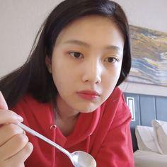 Joy Rv, Red Velvet Joy, Park Sooyoung, Meme Faces, Jaehyun, Boy Bands, Cool Girl, Kpop, Pink