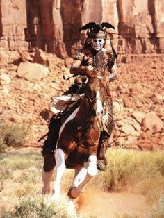 Johnny Depp on a horse Johnny Movie, Johnny Depp Movies, Johnny Depp Wallpaper, The Hollywood Vampires, Noble Knight, Jonny Deep, The Lone Ranger, Tv Westerns, Movies Worth Watching