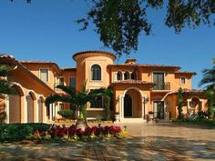 Mediterranean - The homes were modeled after the hacienda style, with red tile roofs, arches and plaster surfaces. Style At Home, Red Tiles, Luxury Homes Dream Houses, Dream Homes, Mediterranean Style Homes, Hacienda Style, Mexican Hacienda, Modern Mansion, Modern Homes