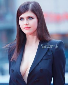 It& really amazing when you discover how strong you actually are and what you really can accomplish. ~Alexandra Daddario… in 2020 Beautiful Celebrities, Beautiful Actresses, Most Beautiful Women, Hollywood Celebrities, Hollywood Actresses, Alexandra Anna Daddario, Actrices Hollywood, Beauty Women, Celebs
