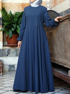 SHUKR USA | Nuria Abaya in Raincloud. I wore this one on Umrah and it was so practical and comfortable.