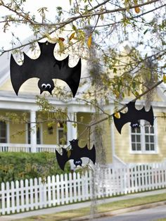 Black craft foam, googly eyes and fishing line are all you need to create a whole colony of swooping, weatherproof bats. Kids big and small will love this quick and easy Halloween craft, perfect for adding a spooky touch to your front yard.