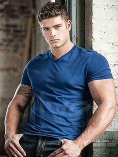 Colin Wayne - Shirt on