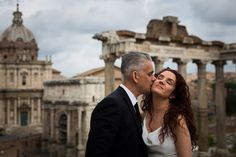 Wedding photography session at the Roman Forum. #wedding in #Rome. By Andrea Matone photographer.