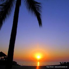 There is no other tourist destination in Jalisco or even Mexico, that combines such a degree of modernity with the delights of the Pacific Ocean and a setting of extraordinary natural beauty as Puerto Vallarta. Read more: http://www.puertovallarta.net/gallery/index.php  #puertovallarta #vallarta #sunsets #jalisco #mexico
