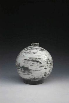 Puncheong Oval Bottle, by Kang Hyo Lee