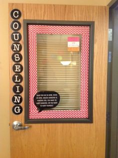 TOTALLY want to do this to my office door!!!