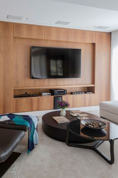 Home theaters rack Fotos que fiz par - hometheaters Bedroom Closet Design, Interior Design Living Room, Living Room Designs, Home Theater Design, Home Office Design, Living Room Tv, Home And Living, Rack Grande, Fancy Houses