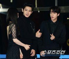 Jin and Chanyeol at the Red Carpet at Gayo Daechukjae Foto Chanyeol Exo, Baekhyun, Namjoon, Seokjin, Yugyeom, K Pop, Exo Red Velvet, Idol 4, Jackson