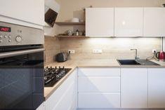Bílou kuchyní se dřevem si paní udělala radost v důchodu Kitchen Cabinets, Sauces, Home Decor, Decoration Home, Room Decor, Cabinets, Home Interior Design, Gravy, Dips