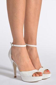 Escarpins blancs Georgia Rose designed by Sarenza, 149€ sur Sarenza.com