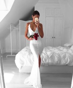 Sexy Prom Dress,V Neck Prom Dresses with Slit ,Sexy Memraid Evening Dress,White Evening Dresses,Backless Formal Dress,White Prom Dresses Halter