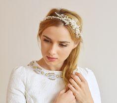 Ręcznie wyplatany wianuszek ślubny dla panny młodej :) Dostępny w sklepie internetowym Madame Allure!