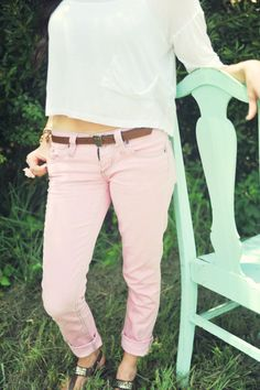 DIY turn old blue jeans to colored skinny jeans!! the easiest DIY to get some cute colored jeans.. GREAT POST with awesome instructions.