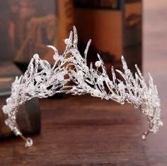 2017 Baroque Bridal Crown Tiara Optional Color Branch Crystal Decorated Wedding Hair Accessories Hair Jewelry Bridal Head Pieces From Janet2011, $7.73 | Dhgate.Com