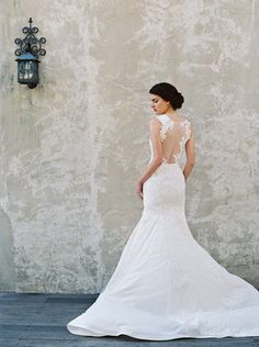 Magnolia: Sareh Nouri – New York Spring 2017 Bridal Collection. www.theweddingnotebook.com