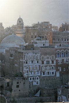 The old city of Sana'a(Yemen), UNESCO World Heritage Site (Reminds me of Uncharted. Oh The Places You'll Go, Places To Travel, Travel Destinations, Places To Visit, Abou Dabi, Travel Around The World, Around The Worlds, World Heritage Sites, Wonders Of The World
