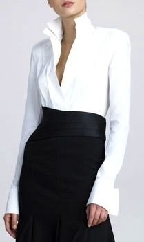 Donna Karan, the classic white shirt. Like this crisp modern shirt style, overall look elegant with understated sexiness. White Fashion, Work Fashion, Urban Fashion, College Fashion, Emo Fashion, Curvy Fashion, Fashion Styles, Trendy Fashion, Fall Fashion
