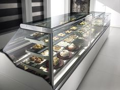 Refrigerated counter display case / for bakeries / for pastry shops / for shops - Oscartek