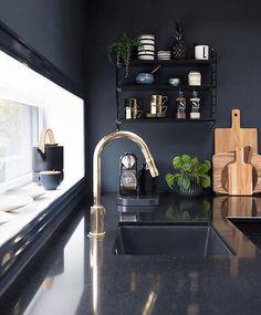 5 Tips for Trendy Home Decor on a Budget - Sweet Home And Garden Home Interior, Modern Interior Design, Kitchen Interior, Interior Design Living Room, Kitchen Design, Grand Kitchen, Trendy Home Decor, Ideas Hogar, Loft
