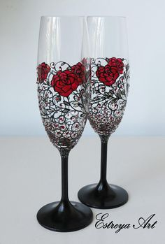Hand painted wedding set of 2 champagne flutes+cake server set, gothic wedding, black and red, red roses, 15th anniversary, set of 4