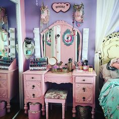 this is the vanity of my dreams ohmygod