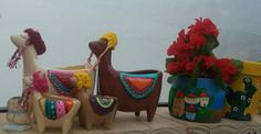 Alpacas, Garden Art, Diy, Vintage Bee, Pottery Designs, Painted Pottery, Decorated Flower Pots, Picture On Wood, Gardens
