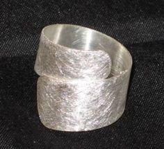 Ring *Flüssiges Silber* von Fairsuchungen - Exklusiver Silberschmuck preiswert auf DaWanda.com