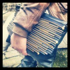 Leather gold zippy bag www.yildizandi.com Handmade Bags, My Bags, Upcycle, Cool Stuff, Gold, Leather, Fashion, Moda, Handmade Handbags