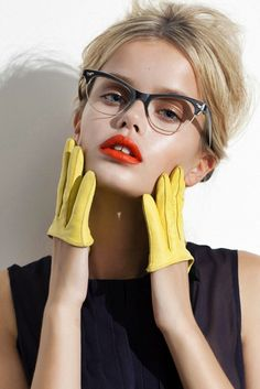 Beige eyeshadows and red lips #MakeUp for #Glasses – Beauty Works London